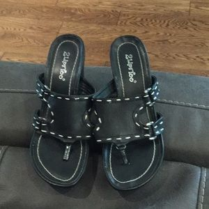 2LipsToo wedged sandals (size 7)
